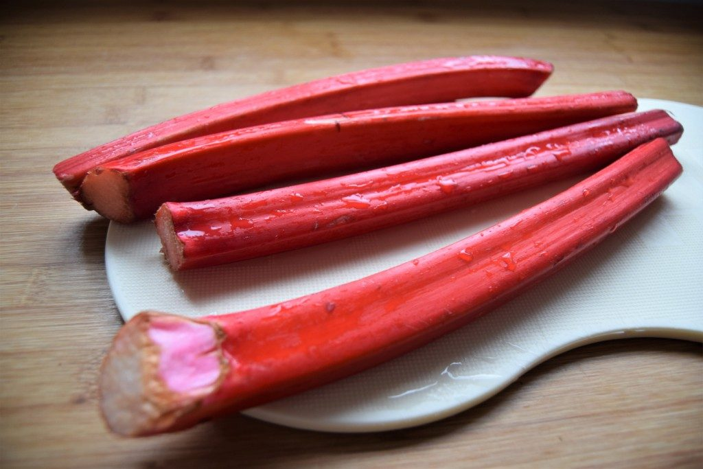 Spicy Rhubarb Crumble Recipe