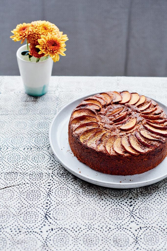 Apple Sourdough Cake